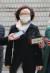 정경심 동양대 교수가 23일 서울중앙지법에서 열리는 1심 선고공판에 출석하고 있다. [연합뉴스]