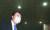 윤석열 검찰총장이 24일 법원의 징계청구 집행정지 결정으로 업무에 복귀한다. 사진은 지난 1일 법원의 직무배제 집행정지 인용 뒤 업무에 복귀하던 윤 총장의 모습. [뉴스1]