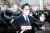 이재용 삼성전자 부회장이 18일 오후 서울 서초구 서울고등법원에서 열린 '국정농단' 사건 파기환송심 선고 공판에 출석하고 있다. 우상조 기자