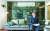 강승수 한샘 회장이 서울 상암동 본사 사 7층에 있는 모델하우스에서 회사 전략을 설명하고 있다. 사옥 7층 전체가 다양한 면적의 리모델링 전시실로 꾸며져 있다. 한샘은 부엌·가구에서 토털 인테리어 사업으로 주력을 옮기고 있다. 임현동 기자