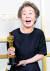 제93회 아카데미 시상식에서 영화 '미나리'로 한국 배우 최초로 여우조연상을 수상한 윤여정. 재기넘치는 수상 소감으로 또 한번 찬사를 받았다. [로이터=연합뉴스]