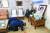 문재인 대통령과 김정숙 여사가 2019년 6월16일 오후 故 이희호 여사의 유족을 위로하기 위해 서울 동교동 사저를 찾아 고인의 영정에 절하고 있다. 청와대제공