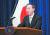 """스가 요시히데 일본 총리는 그간 일본인 납치자 문제를 협의하기 위해 북한과의 조건 없는 대화를 수차례에 걸쳐 제안했다. 하지만 북한은 """"일본인 납치 문제는 완전무결하게 해결됐다""""며 대화에 임하지 않고 있다. [연합뉴스]"""