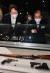 윤석열 전 검찰총장(왼쪽)이 9일 서울 남산예장공원 하부 이회영기념관에서 이회영 선생의 후손인 이종찬 국립대한민국임시정부기념관 건립위원장과 전시장을 둘러보고 있다. 우상조 기자