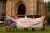 지난 7일(현지시간) 영국 런던 웨스트민스터 성당 앞에서 동물복지법 개정을 촉구하고 나선 한 동물보호단체. [트위터 캡처]