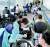2020 도쿄 올림픽 개막(7월 23일)을 앞두고 11일 오후 일본 나리타공항에 입국한 한국 취재진이 서류 확인 및 코로나19 검사를 위해 공항 내에서 대기하고 있다. 장진영 기자