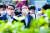 윤석열 전 검찰총장이 지난 17일 오후 광주 동구 옛 전남도청 별관에서 오월어머니회 회원들과 간담회 등을 갖기 앞서 별관 건물을 바라보고 있다. 뉴스1