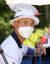 지난 23일 열린 도쿄올림픽 남자 양궁 랭킹 결정전에서 김제덕이 더위를 식히기 위해 머리 위에 얼음 주머니를 올려놨다. [연합뉴스]