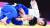 안창림(왼쪽)이 26일 도쿄올림픽 유도 남자 73㎏급 동메달결정전에서 오루조프를 상대로 한팔 업어치기를 하고 있다. [올림픽사진공동취재단]