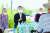 최재형 전 감사원장(왼쪽 둘째)이 경기도 연천군 중면을 방문해 실향민들과 간담회를 갖고 있다. [뉴스1]