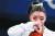 미국 체조 스타 시몬 바일스(24)가 27일(현지시간) 도쿄 아리아케 체조경기장에서 열린 2020 도쿄올림픽 여자 체조 단체전에서 기권을 선언했다. [AFP=연합뉴스]