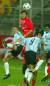 2002년 8월 한국과 아르헨티나의 청소년 대표팀 경기. 한국 중앙수비수 여효진이 엄청난 제공력을 과시하며 아르헨티나의 센터링을 헤딩으로 처리하고 있다.박종근 기자