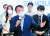"""윤석열 전 검찰총장(가운데)은 1일 서울 여의도의 한 카페에서 열린 청년 싱크탱크 '상상23'의 세미나에 참석해 """"청년세대가 국가 정책 개발에 주도적으로 참여해야 한다""""고 말했다. [뉴시스]"""