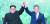2018년 4월 27일 판문점 선언에 서명한 문재인 대통령과 김정은 국무위원장. [연합뉴스]
