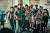 28일 개봉하는 류승완 감독의 영화 '모가디슈'. 1991년 소말리아 수도 모가디슈 내전 당시 남북한 대사관 사람들이 함께 탈출한 실화가 모티브다. [사진 롯데엔터테인먼트]