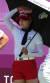 5일 일본 가스미가세키 컨트리클럽에서 열린 도쿄올림픽 여자골프 2라운드.   1번홀에서 고진영이 얼음주머니와 쿨타월로 더위를 피하고 있다.[연합뉴스]
