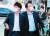 이준석 국민의힘 대표와 윤석열 전 검찰총장이 지난달 25일 오후 서울 광진구 건대맛의거리에서 '치맥회동'을 하기 위해 음식점으로 향하고 있다. 뉴스1