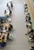 지난 12일 충남 계룡시 예방접종센터에서 고3 수험생과 교직원들이 화이자 백신을 접종받기 위해 차례를 기다리고 있다. [프리랜서 김성태]