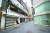 오늘(23일)부터 거리두기 4단계 지역에서 식당과 카페 영업시간이 오후 9시까지로 단축된다. 사진은 휴일인 22일 서울 명동의 모습. [연합뉴스]