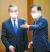 정의용 외교부 장관(오른쪽)과 왕이 중국 외교부장이 15일 서울 외교부 청사에서 열린 한·중 외교장관 회담 자리로 이동하고 있다. [뉴시스]