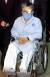 박지원 원장은 지난 2004년 불법 대북송금으로 재판받을 당시 휠체어를 타고 안대를 한채 법정에 출두했다. [중앙 포토]