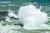 제14호 태풍 찬투(CHANTHU)의 영향으로 제주도 전역에 강풍 특보가 내려진 15일 오전 제주 서귀포시 안덕면 사계리 해안가에 집채만 한 파도가 몰아치고 있다. [뉴시스]
