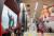 24일 서울 용산구 이태원역에 마련된 '오징어게임' 팝업 체험존 '오겜월드'가 시민들로 북적이고 있다.뉴스 1