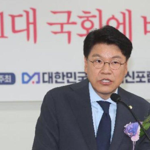 """아들 논란 장제원 """"가정 쑥대밭 됐다""""···尹캠프 총괄실장직 사퇴"""