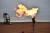 유럽 등의 발전용 수요가 늘며 1일(현지시간) 기준 천연가스 가격은 100만 BTU당 5.62달러로 거래를 마감했다. 1년 전보다 130% 넘게 급등했다. 사진은 지난 8월 미국 노스타코다의 왓퍼드시의 한 천연가스 유전에서 연기가 피어오르는 모습. [AP=연합뉴스]