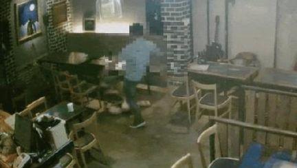 술자리서 짓밟히는 여성, 외면한 남성들…CCTV 다 찍혔다