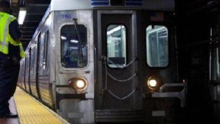 통근열차서 성폭행 벌어졌는데, 지켜만 본 승객들...美 발칵