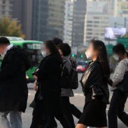 '노마스크' 한 달 반 남았다···12월 중순 야외선 가능, 실내는?