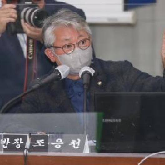 """대장동 방어전 나선 '쓴소리맨'...與지지층 """"조응천 재발견"""""""