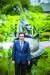 """중앙대의 상징인 청룡상 앞에 선 김창수 총장은 '학부 중심에서 연구중심으로 패러다임을 전환해 인류사회에 기여하는 대학으로 거듭나겠다""""고 말했다. [박종근 기자]"""