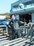 ㈜광산이 생산하는 선박용 히팅 코일은 세계 최고의 품질을 자랑한다. 출고를 앞둔 히팅 코일 앞에서 이상철 대표가 헤딩 시범을 보여주고 있다. 송봉근 기자