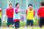 첫 올림픽 8강에 오른 2004 아테네 올림픽 축구팀 이상철 수석코치(가운데). [사진 대한축구협회]