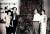 박래현, 김기창 부부(왼쪽)와 이응로, 박인경 부부. 파리 이응로 작업실, 1965년. [서울미술관]