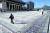 한글날인 9일에는 개천절과 달리 차벽으로 광화문 광장을 둘러싸지는 않았다. 대신 철제 펜스를 세우고 일정 간격으로 경찰을 배치해 광장 진입을 통제했다. [연합뉴스]