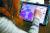 영국에서 한 소녀가 '로블록스'로 자신의 아바타를 만들고 있다. [로이터=연합뉴스]