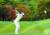 박민지가 지난 14일 열린 '대유위니아 MBN 여자오픈' 2라운드에서 2번홀 아이언샷을 하고 있다. [뉴스1]