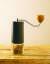 커피 그라인더 코만단테는 원두를 정확하고 예리하게 갈아낸다. [사진 윤광준]
