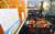 오는 6일부터 수도권 식당·카페의 영업시간은 다시 오후 10시까지로 바뀌고 최대 6명이 모일 수 있다. 3일 서울 양천구의 한 식당에서 바뀐 거리두기 방침 안내문을 붙여놨다. [연합뉴스]