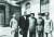 중공근거지 옌안을 방문, 마오쩌둥(왼쪽 셋째), 주더(오른쪽 첫째), 저우언라이(왼쪽 첫째) 등 중공지도부와 기념사진을 남긴 미국대사 헐리. [사진 김명호]