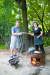 도자기 굽는 신경균씨(왼쪽)와 동갑내기 아내 임계화씨가 준비한 가을 제철 요리가 장작불 위 가마솥 뚜껑에서, 화로 위 석쇠에서 맛있게 익고 있다. 박종근 기자