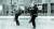 중국에 주둔하던 미군 장교들은 중국 검술을 즐겼다. 1946년 가을 베이징. [사진 김명호]