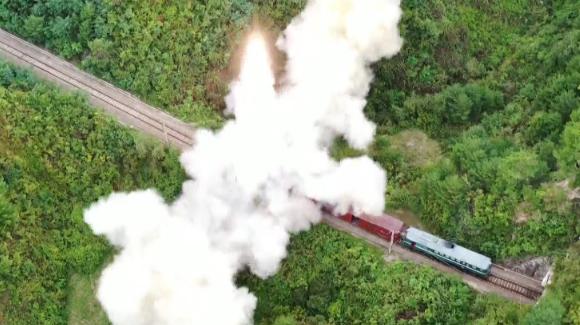 北 열차서 미사일 쐈다...터널 숨었다 쏘면 예측불가